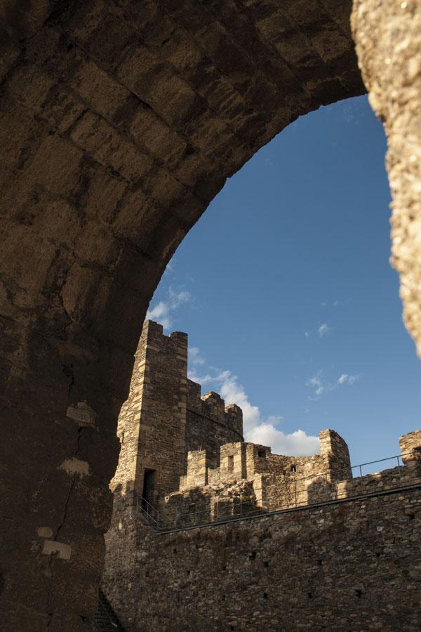 Puerta principal de acceso al Castillo Viejo