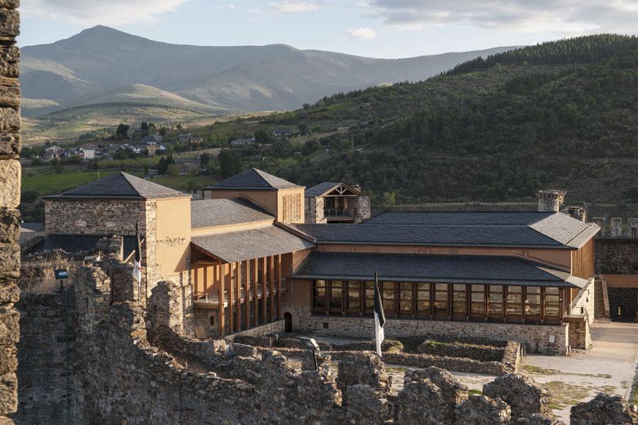 Vista general del Palacio Nuevo desde el Castillo Viejo