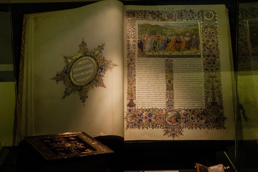 Ejemplar expuesto en Templum Libri