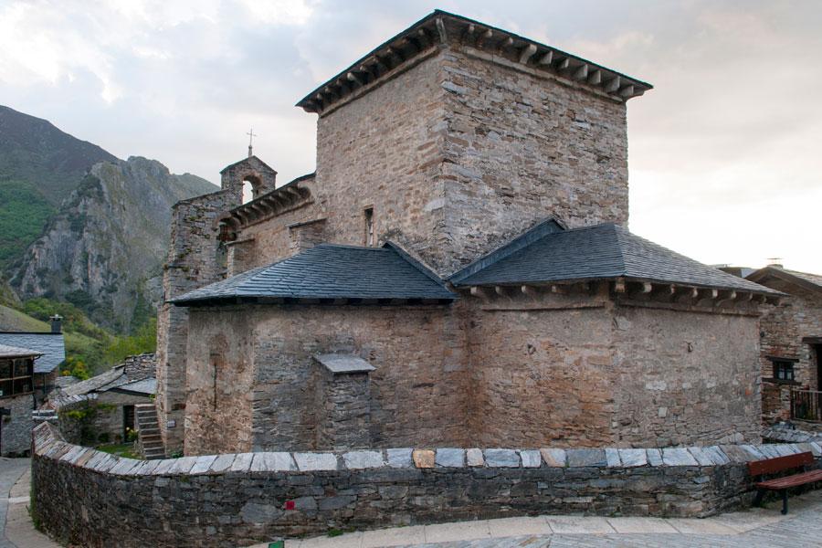 Santiado de Peñalba y su iglesia mozárabe