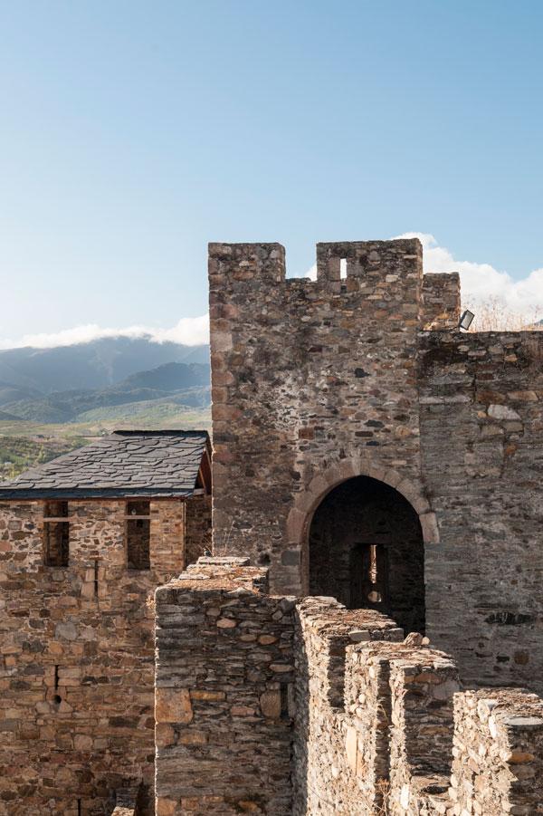 Arco de acceso a la Torre de los Reyes Católicos