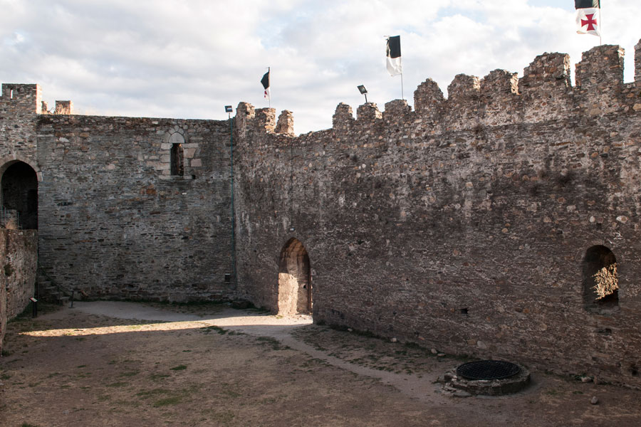 Escudo en la Torre del Homenaje Viejo