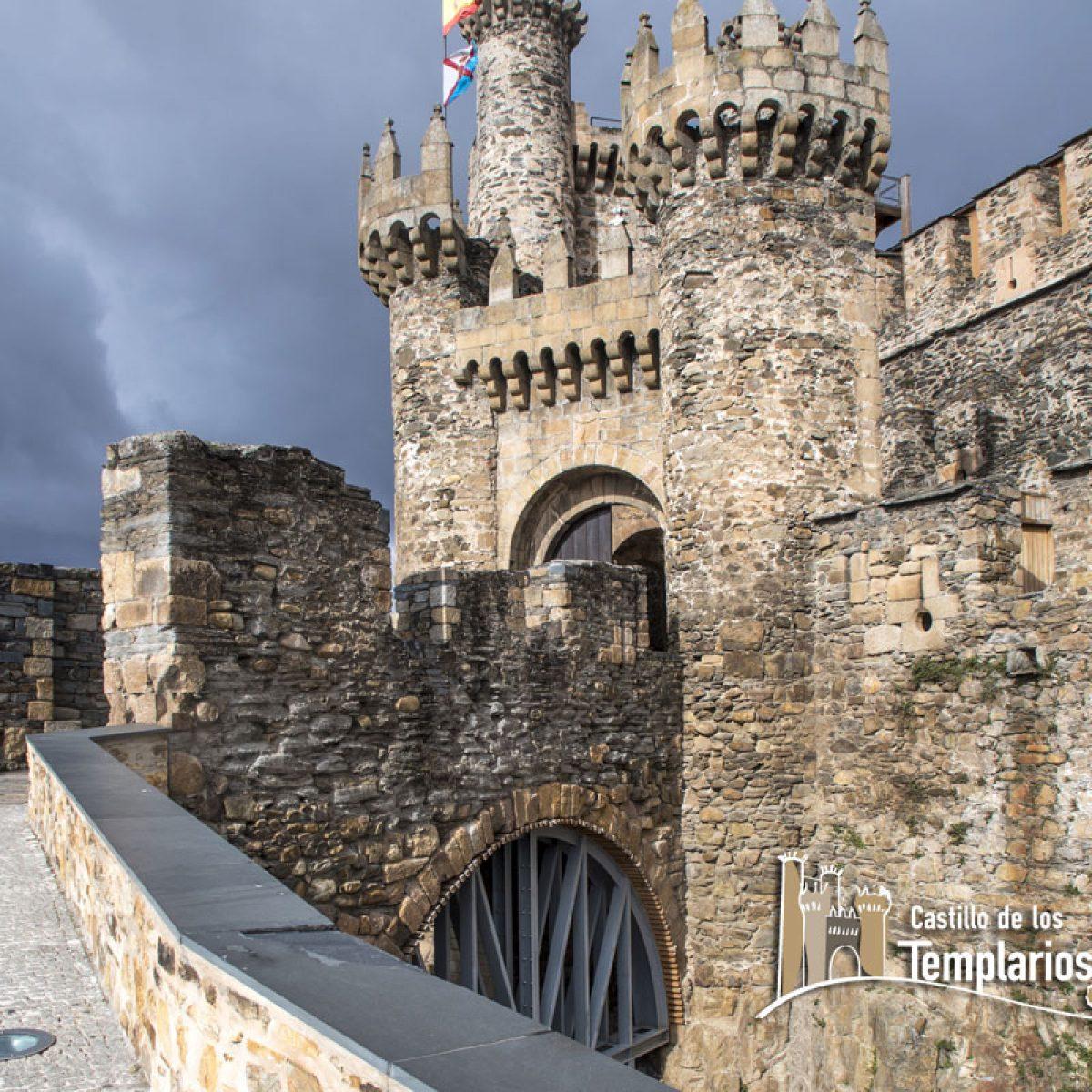 Obras de reparación del puente de acceso al Castillo